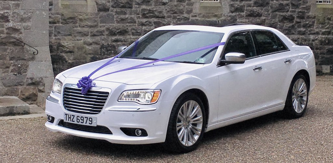 White Chrysler 300 >> White Chrysler 300c Saloon 4 Passenger Omagh Limousines